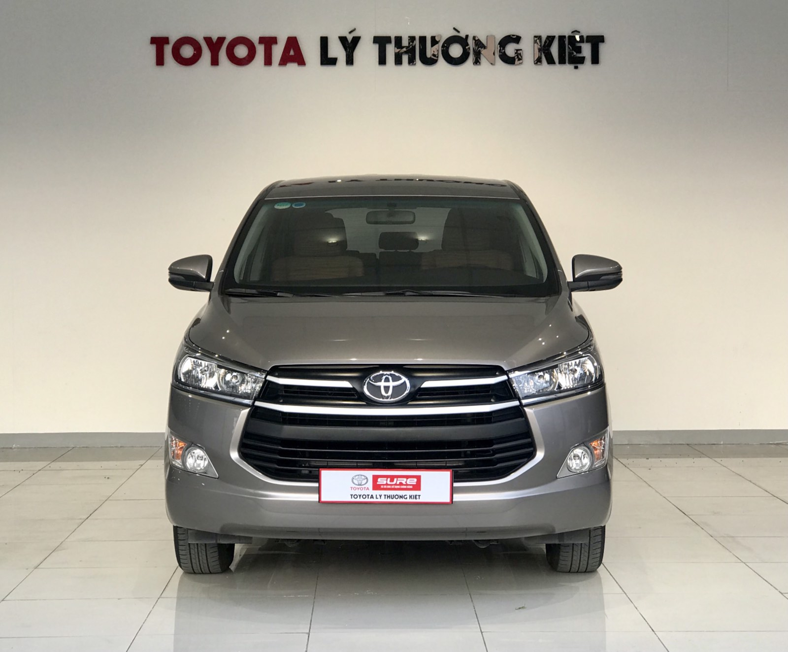 TOYOTA INNOVA 2.0G AT - 2019
