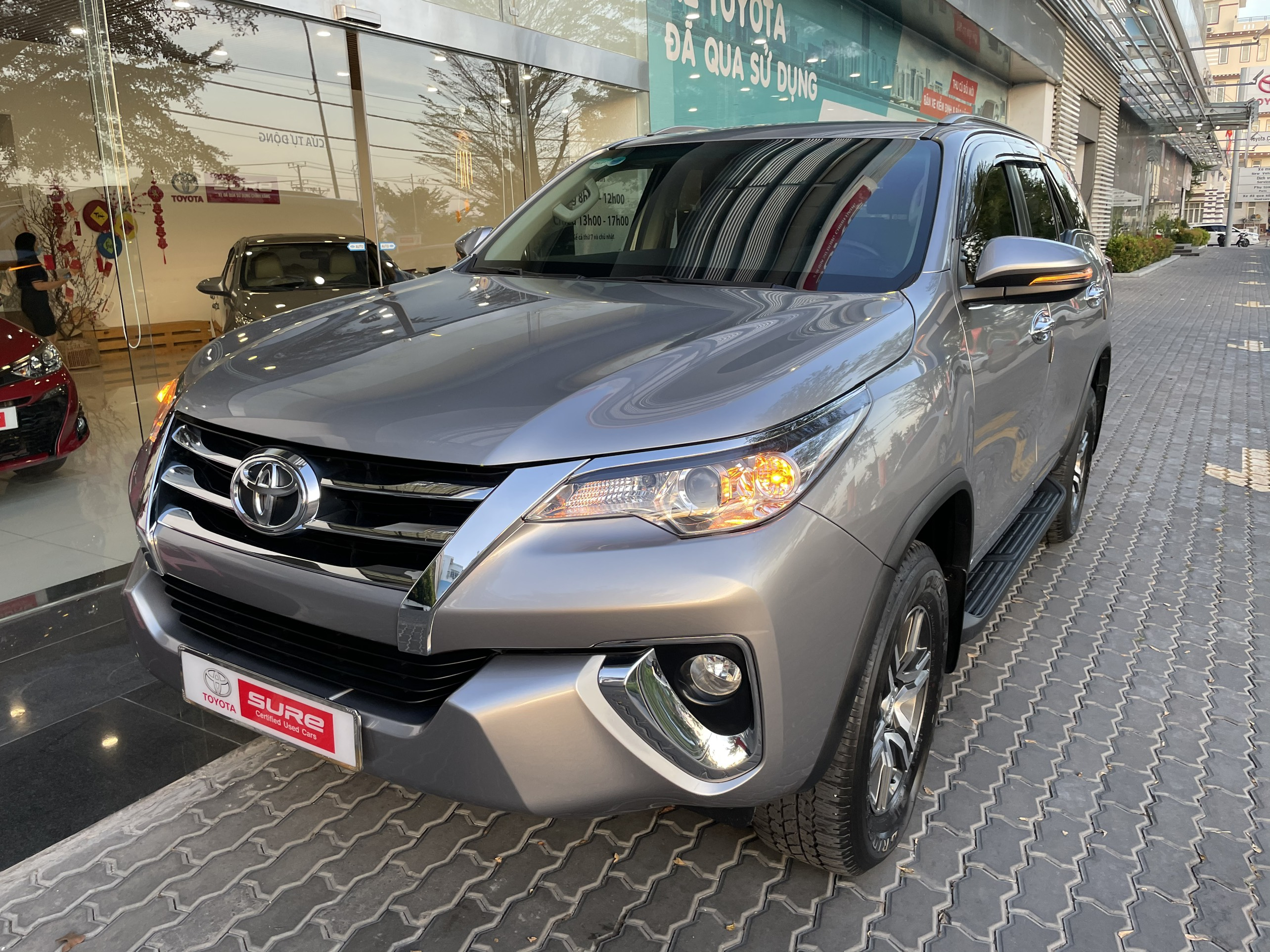 TOYOTA FORTUENR G AT 2018 Nhập khẩu INDONESIA