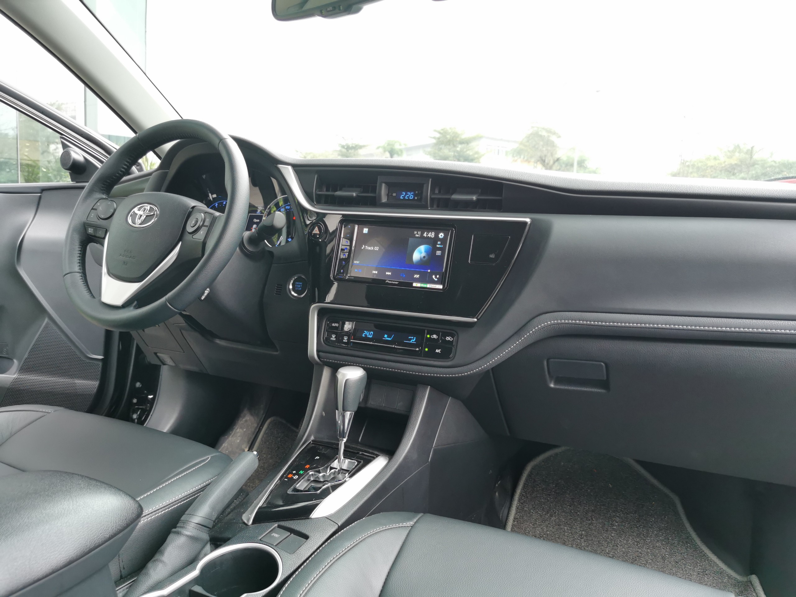 Toyota Altis 1.8AT 2020 form 2021 - Nâu đen