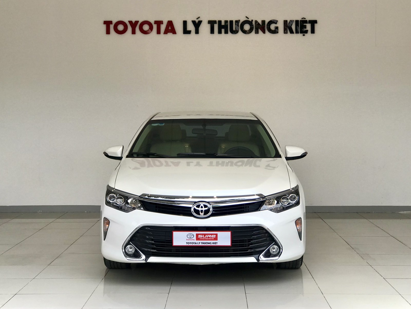 TOYOTA CAMRY 2.0E AT - 2019