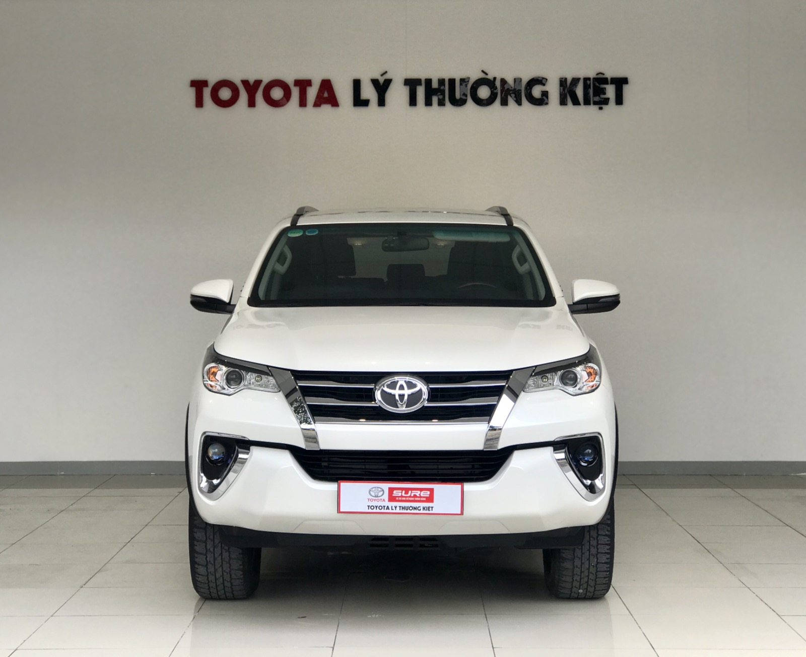 TOYOTA FORTUNER 2.4AT 4x2 - 2019