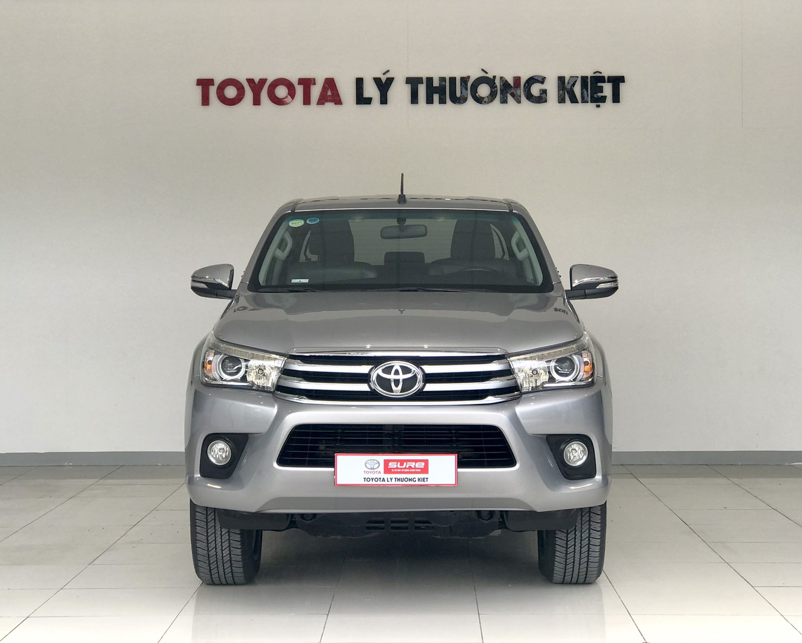 TOYOTA HILUX 2.8G 4x4 AT - 2017