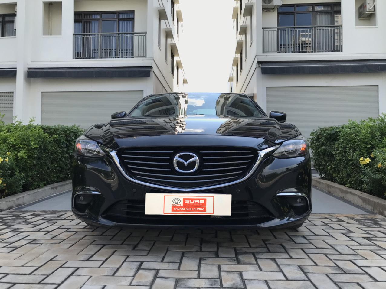 Mazda 6 Màu Đen Lịch Lãm - Xe Phân Khúc Hạng D Giá Bình Dân
